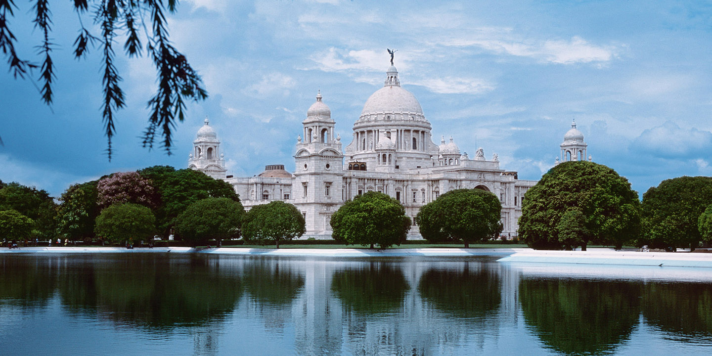 the rich history of the city of calcutta Kolkata is a huge city with several district articles containing sightseeing, restaurant, nightlife and accommodation listings — have a look at each of them kolkata (bengali:কলকাতা) (formerly calcutta) is the capital of west bengal and the second largest city in india (after mumbai.