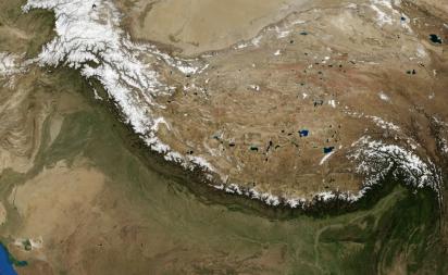 Вид на Гималаи из космоса - фотоснимок
