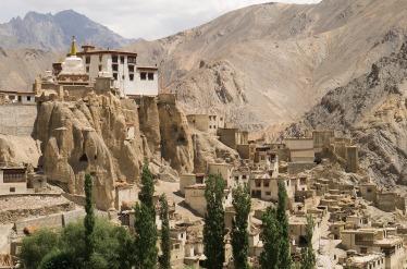 Монастыри в Гималаях